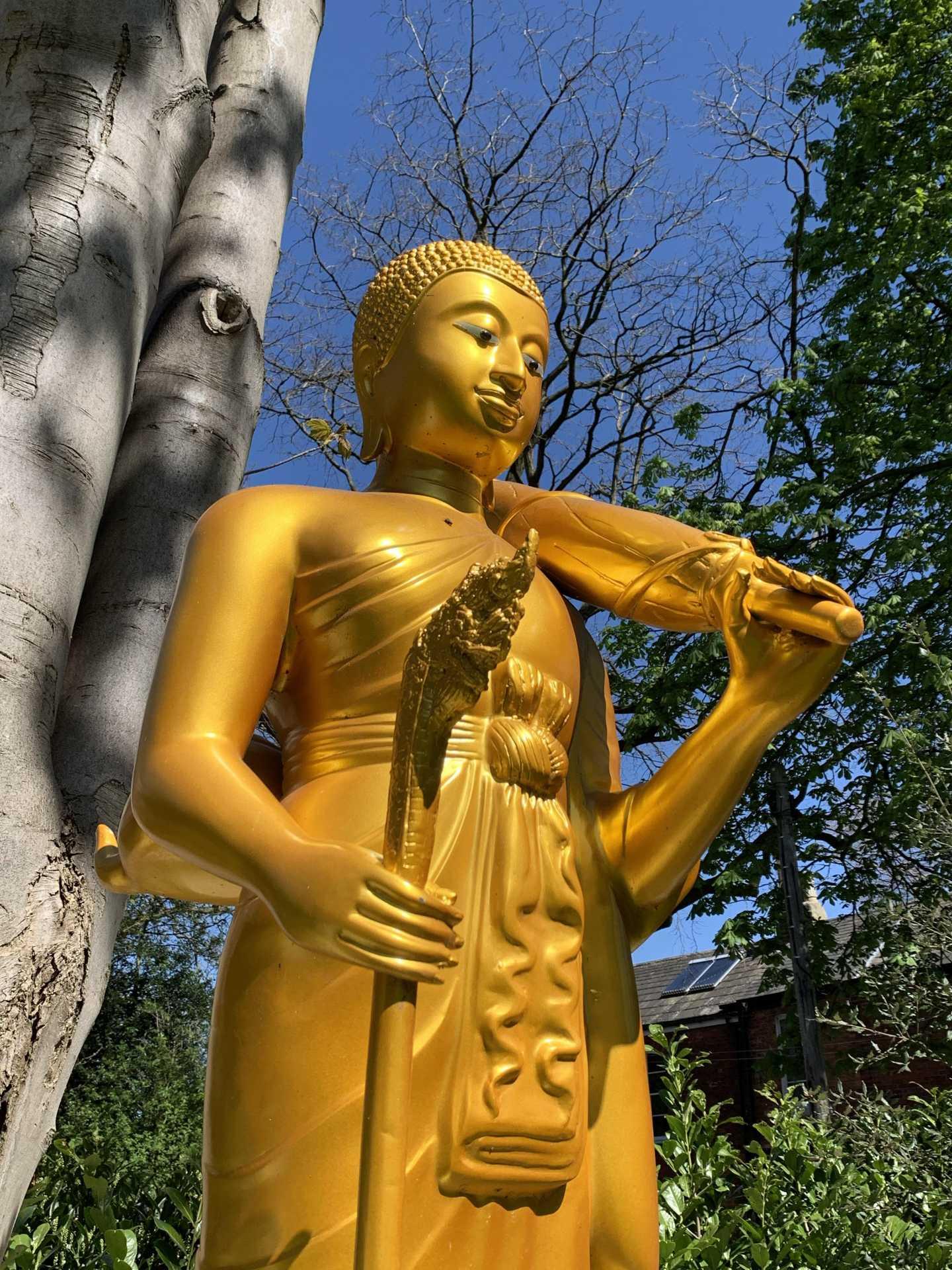 Wat Buddharam Statue